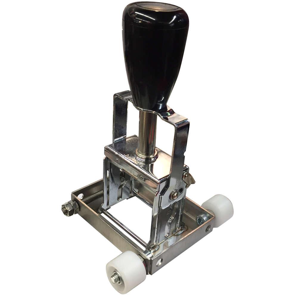 Batch stamper for labeling machine