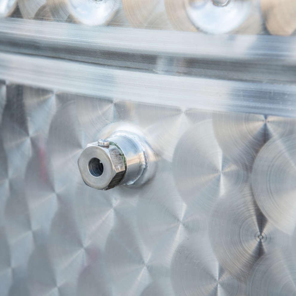 Depósito de almacenaje de fondo cónico Refrigerado  a aire con puerta 2000 Lt.