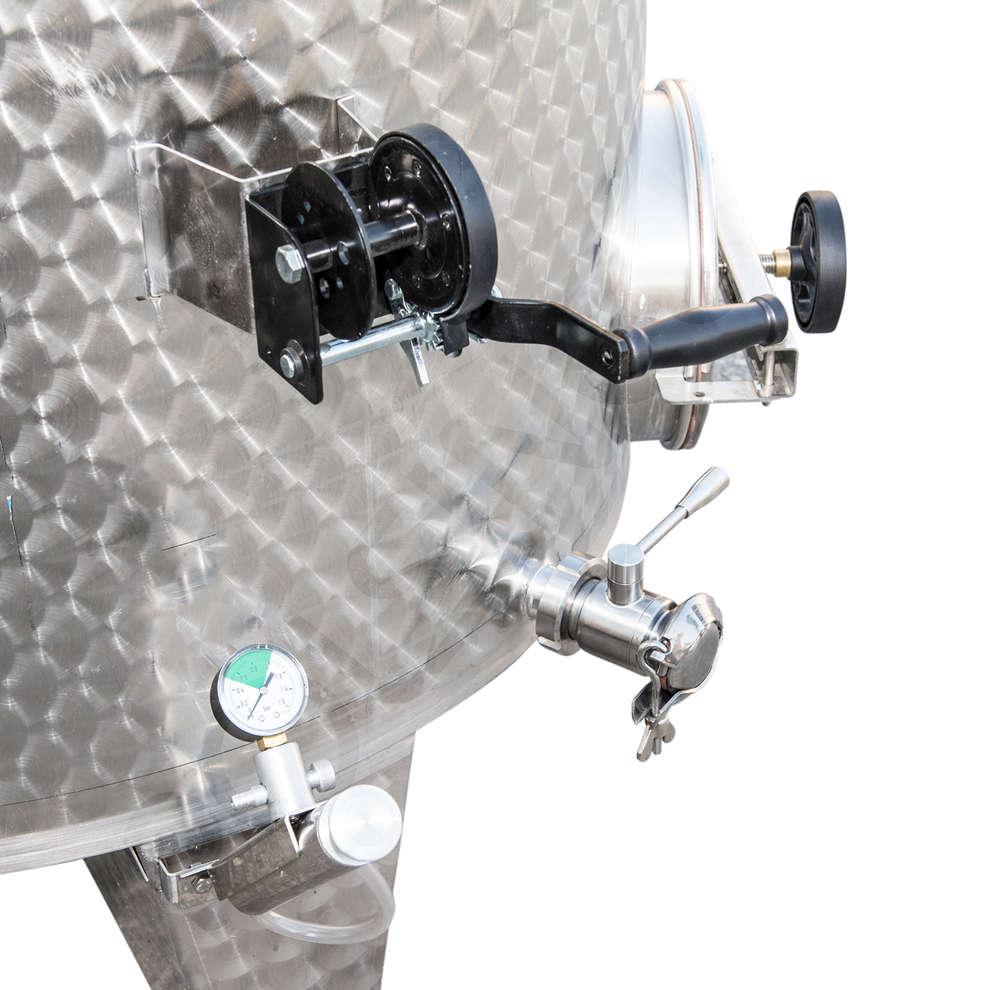 Depósito inox de fundo cónico 2500 L con flotador a aire con puerta