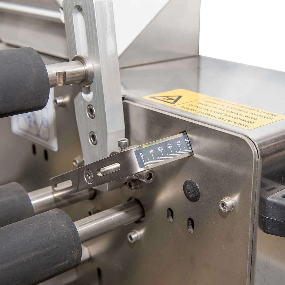 ETI 10 etiquetadora semiautomática con marcador de transferencia térmica