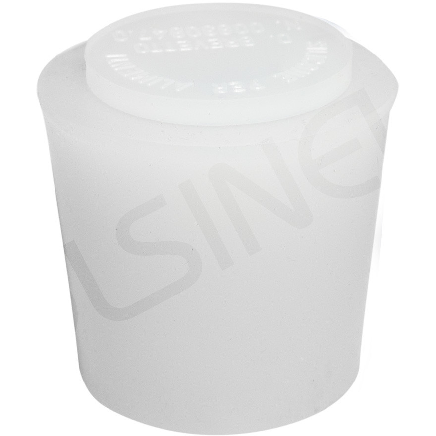 Silicone cap with air vent for wooden barrels